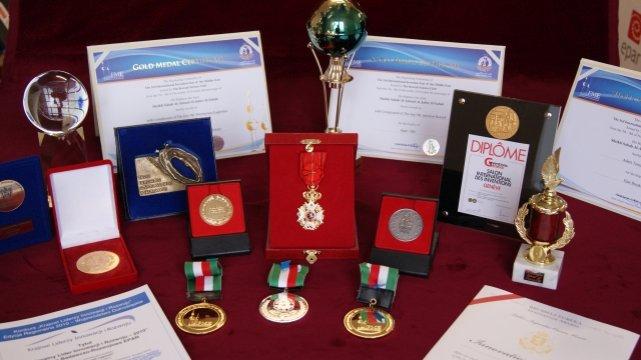 Nagrody, dyplomy i medale za wynalazek Łągiewki