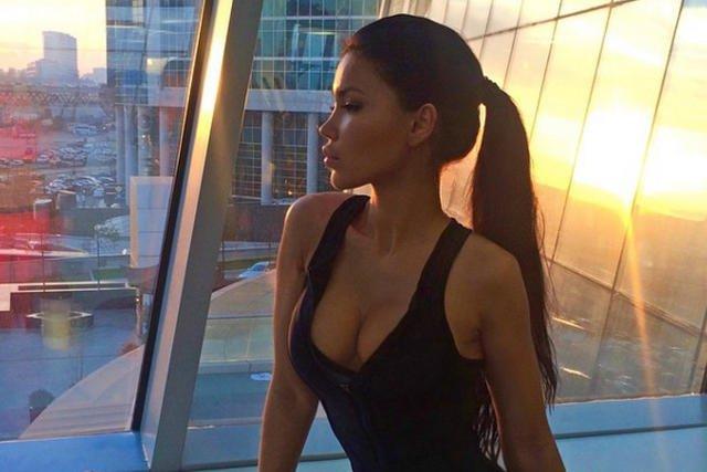 Bilyalova-Sveta ma na Instagramie ponad 2 mln followersów. Nie ukrywa, że oprócz ćwiczeń i zdrowego trybu życia korzysta z dobrodziejstw medycyny estetycznej.