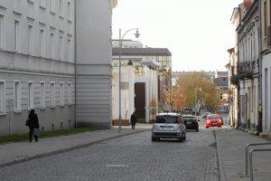 """Scena porodu i jęki na schodach w czasie Marszu Życia. Samotna matka """"rodziła"""" w centrum Kielc"""
