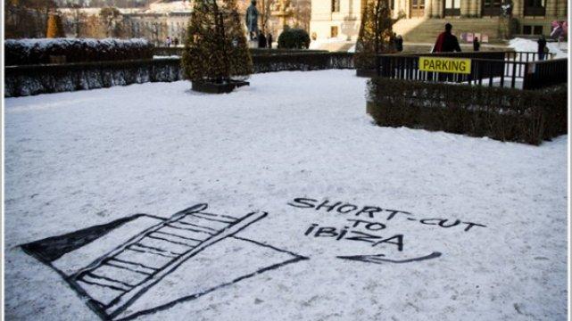 Śnieżny street art Chase'a