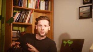 Na swoim kanale i blogu Piotrek piętnuje stygmatyzujące narkotykowe prawo.