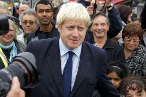 Boris Johnson lubi media i wie, jak używać ich do promowania siebie.