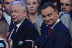 Polacy ufają prezydentowi, ale prezesowi PiS... niekoniecznie.