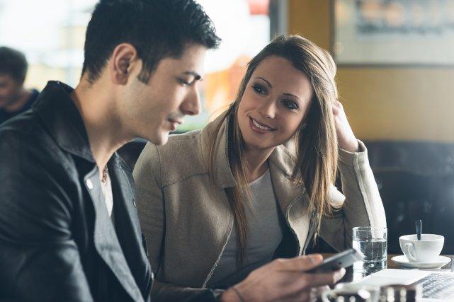 Jak często kontaktować się z dziewczyną podczas randek