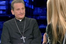 Bp Markowski przyznaje, że przy ekshumacji należy się liczyć ze zdaniem rodzin ofiar smoleńskich.