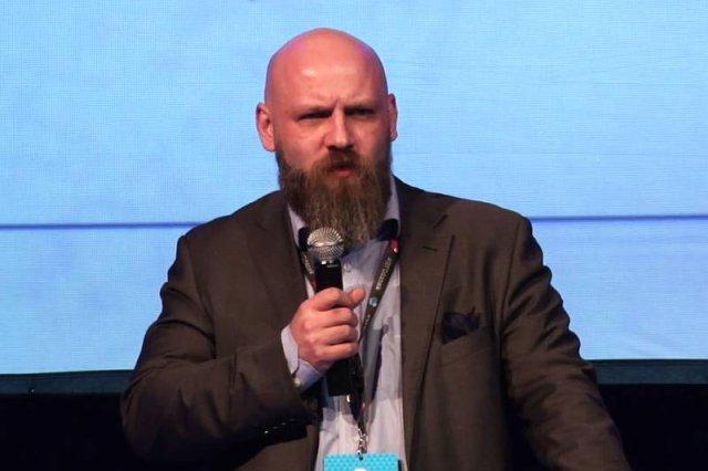 """Piotr """"Vagla"""" Waglowski w rozmowie z naTemat tłumaczy, dlaczego tak mocno przygląda się działaniom państwa w internecie."""