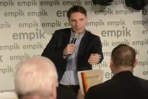"""Tomasz Lis otrzymał wyjątkowy """"dyplom"""""""