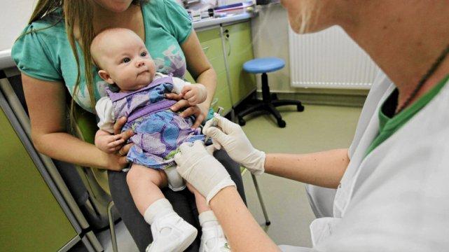 Większość rodziców szczepi swoje dzieci