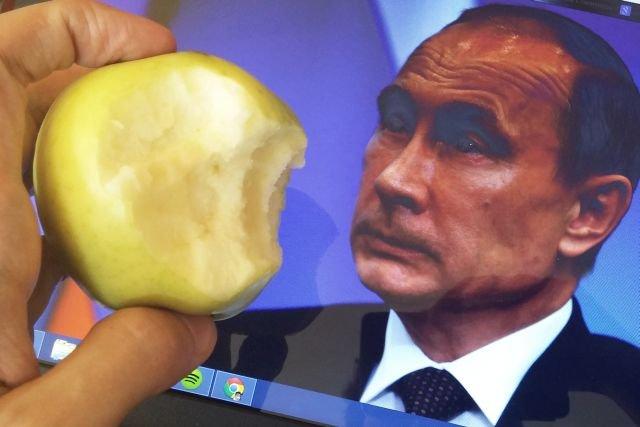 """#jedzjabłka na złość Putinowi – akcja """"Pulsu Biznesu"""" walczy z embargiem na polskie jabłka."""