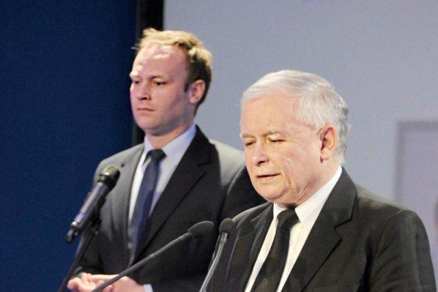 Poseł Marcin Mastalerek coraz częściej pojawia się wśród najbliższych ludzi prezesa PiS Jarosława Kaczyńskiego.