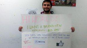 Eksperyment nt. żebrolajków, czy reklama Mercedes AMG?