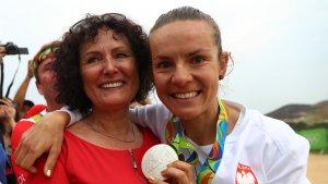 Maja ze swoją mamą, tuż po zdobyciu srebrnego medalu na Olimpiadzie w Rio.
