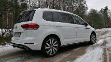 Volkswagen Touran zaskoczył mnie komfortem jazdy.