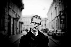 Jacek Dehnel: Internet jest wtyczką do świata.