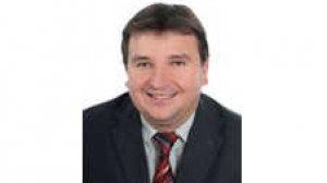 [b]dr Jerzy Gryglewicz [/b] - ekspert ds. zdrowia Uczelni Łazarskiego, były Główny Specjalista w Departamencie Gospodarki Lekami i Departamencie Kontroli Centrali NFZ, współautor raportu n.t. dostępności do leczenia onkologicznego w Polsce