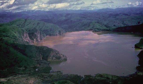 Tragedia nad jeziorem Nyos