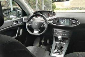 Nigdy nie prowadziłem nowego auta, dlatego po raz pierwszy postanowiłem spróbować. Test laika – Peugeot 308