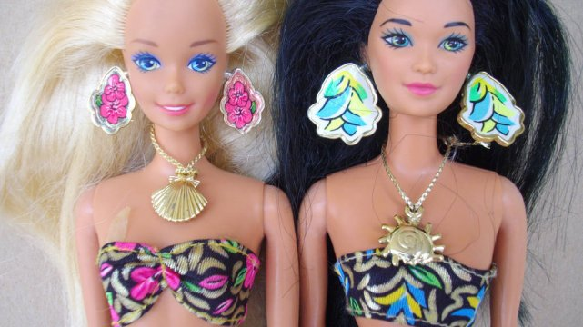 Lalki Barbie w skąpych strojach i z ostrym makijażem od wielu lat budzą kontrowersje