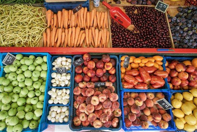 Jemy za mało owoców i warzyw.