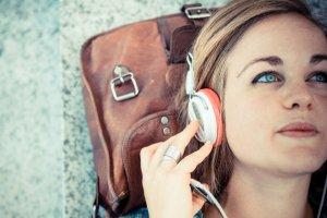 Słuchanie muzyki ma działanie terapeutyczne