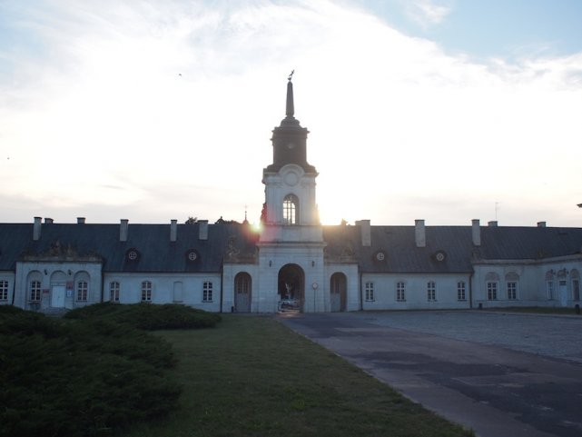 Pałac w Radzyniu Podlaskim jest imponujący ale bardzo zaniedbany. A mógłby być drugim Wilanowem...