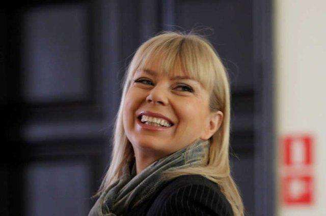 Elżbieta Bieńkowska została superministrem. Media kreują ją na superstar.