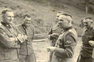 Richard Baer, Josef Mengele i Rudolf Hoess - odpowiedzialni za eksperymenty medyczne na więźniach KL Auschwitz.
