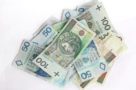 Jaki jest stosunek Polaków do pieniędzy?