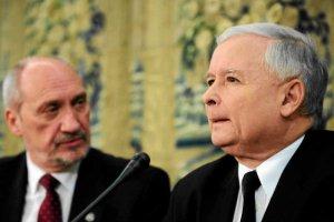 Antoni Macierewicz idzie na otwarte starcie nie tylko z Jarosławem Kaczyńskim, ale teżz BeatąSzydło i Andrzejem Dudą.