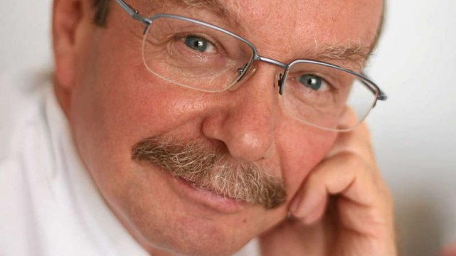 [b]dr Jerzy Giermek – [/b] kierownik Centrum Profilaktyki Nowotworów Centrum Onkologii - Instytutu im. Marii Skłodowskiej-Curie w Warszawie