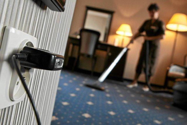 Polakom coraz trudniej samemu dbać o porządek w domach i mieszkaniach