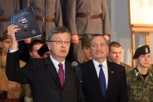 Wojciech Fałkowski groził reporterowi TVN użyciem komandosów jeśli dziennikarz się  nie odczepi.
