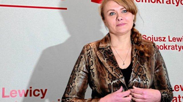 Jak długo Katarzyna Piekarska będzie fotografować się na takim tle?