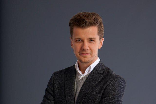Radek Kotarski wystąpił w kampanii reklamowej Banku Millennium.