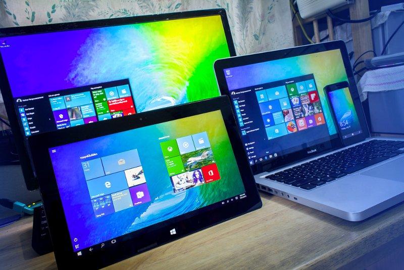 Nachalna kampania promocji Windows spotyka się z oporem niektórych użytkowników. Jedna z Amerykanek pozwała firmę Microsoft za zmuszenie jej do ściągnięcia i zainstalowania najnowszej wersji systemu