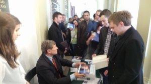 Podpisywanie książek na UEK