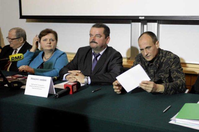 Paweł Kukiz zmienia poglądy jak rękawiczki.