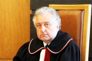 Prezes Trybunału Konstytucyjnego został wykreślony z listy gości z papieżem Franciszkiem na terenie obozu Auschwitz. Rząd dzieli nawet w takiej chwili?
