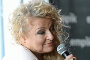 Magda Gessler zachwyca sięBiedroniem i żywo dyskutuje o nim z internautami.