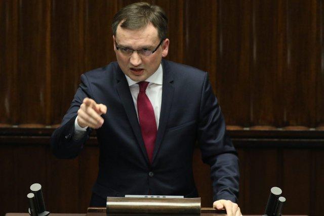Zbigniew Ziobro chce przesunąć rozprawę w sprawie TK o dwa tygodnie.