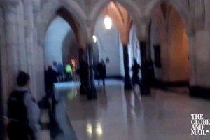 Napastnicy zaatakowali parlament Kanady w Ottawie.