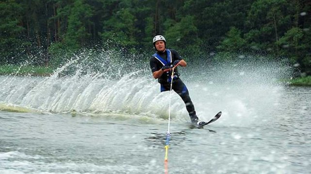 Narciarstwo alpejskie to nie jedynasportowa pasja Andrzeja Szczęsnego.