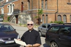 Ks. proboszcz Jan Wierzbicki z Białegostoku zamieścił w sieci instrukcję, jak się zachować w kościele.