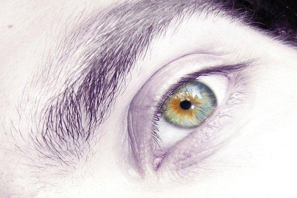dziwne zaczepienie oka intuicyjne kojarzenie