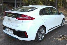 Trzeci bliźniak? Jeździliśmy nową hybrydą od Hyundaia. Ioniq to nie tylko tańsza wersja ikony - Toyoty Prius