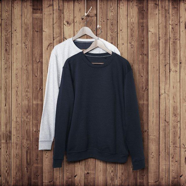 Bluzy - szara i czarna - jak najbardziej unisex.