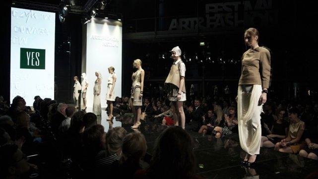 Pokaz kolekcji Anny Pogudz podczas Finałowej Gali V edycji AFF