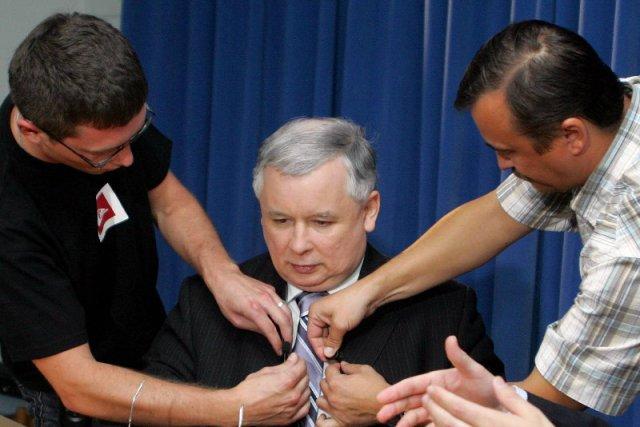 Posłowi Kaczyńskiemu zdarzało się czatować przed powstaniem KOD. Np. w 2007 roku premier Jarosław Kaczyński czatował z Kancelarii Prezesa Rady Ministrów.