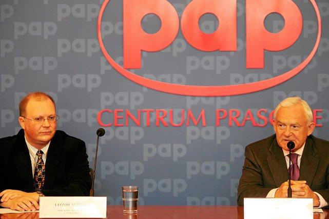 Rok 2009. Leonid Swiridow i Leszek Miller podczas konferencji poświęconej Klubowi Wałdajskemu.