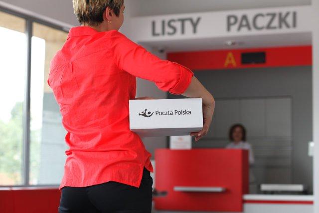 Poczta Polska klientom zajmującym się eCommerce oferuje nie tylko szybkie doręczenie paczek klientom, ale także całą gamę dodatkowych usług.